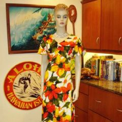 Hawaii Nei Mod Floral Maxi Dress
